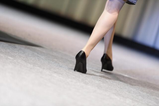 厳しいファッション業界を生き抜いた人のイメージ