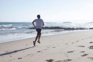 経営者が孤独を感じた時は運動などで頭を空にするイメージ
