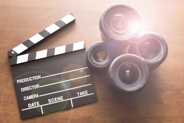 映画で英語を勉強するイメージ